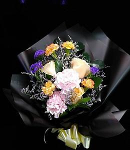 검은포장 꽃다발